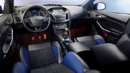 Ford Focus ST wnętrze